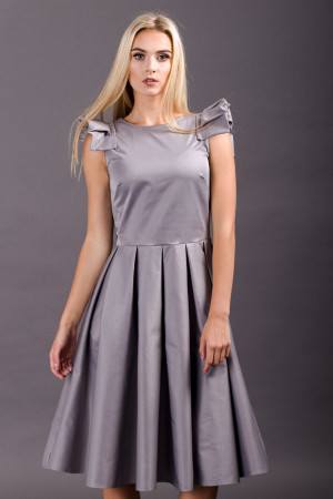 bridesmaid sleeveles dress